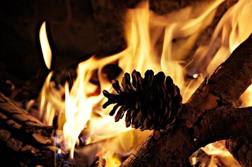 Outdoor kitchen fire pit