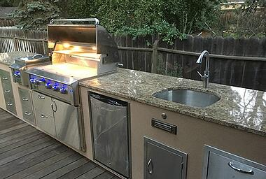 Outdoor kitchen sink