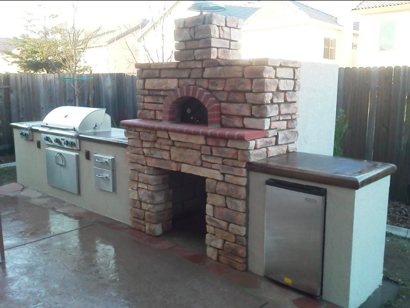 Outdoor Pizza Oven in California